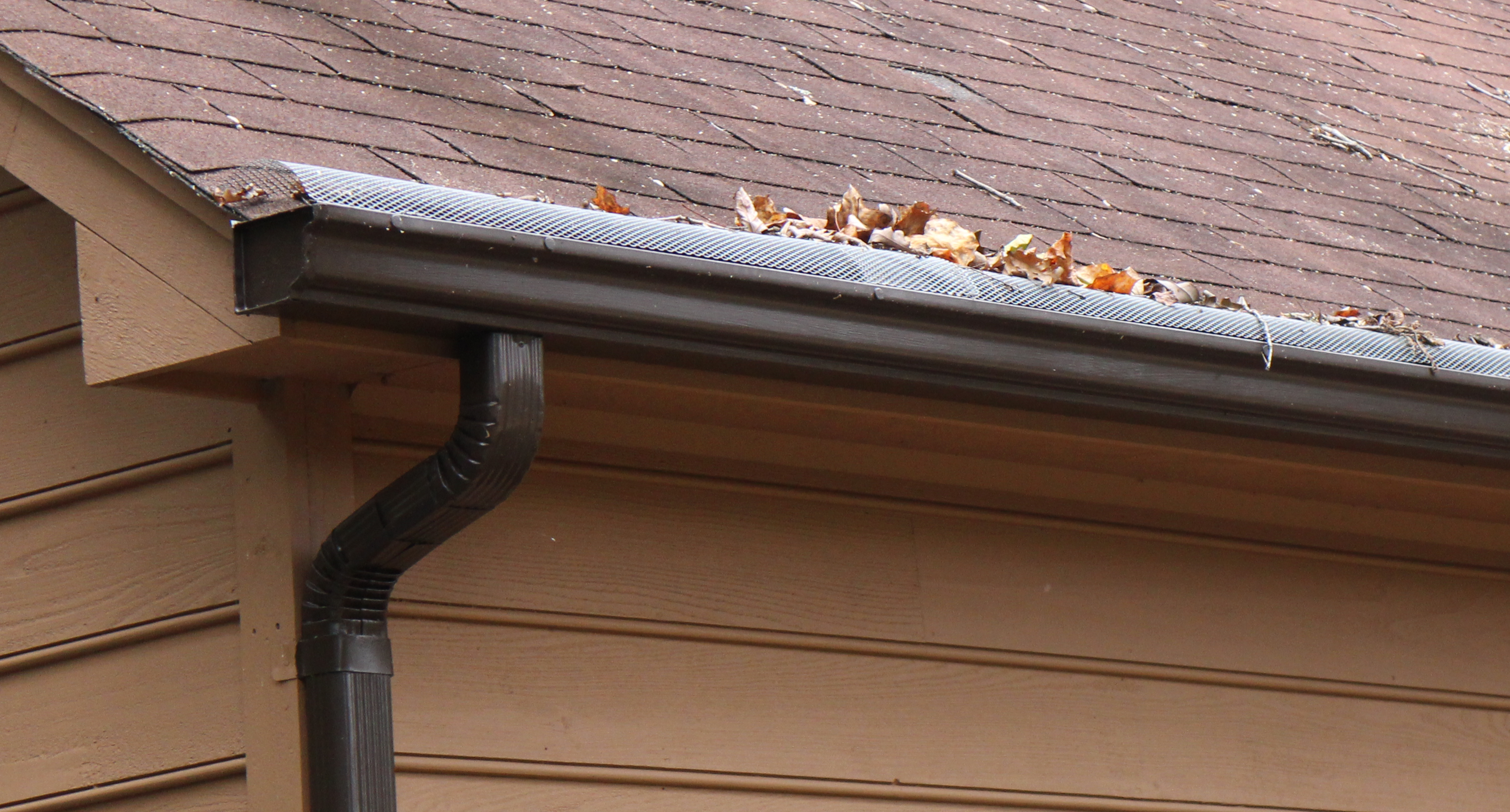 Clogged gutters why do gutters clog gutters guards for Does a house need gutters