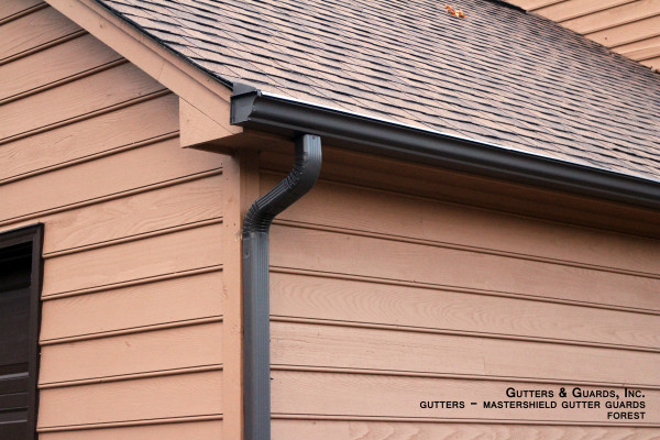 summer maintenance tips for gutters and downspouts