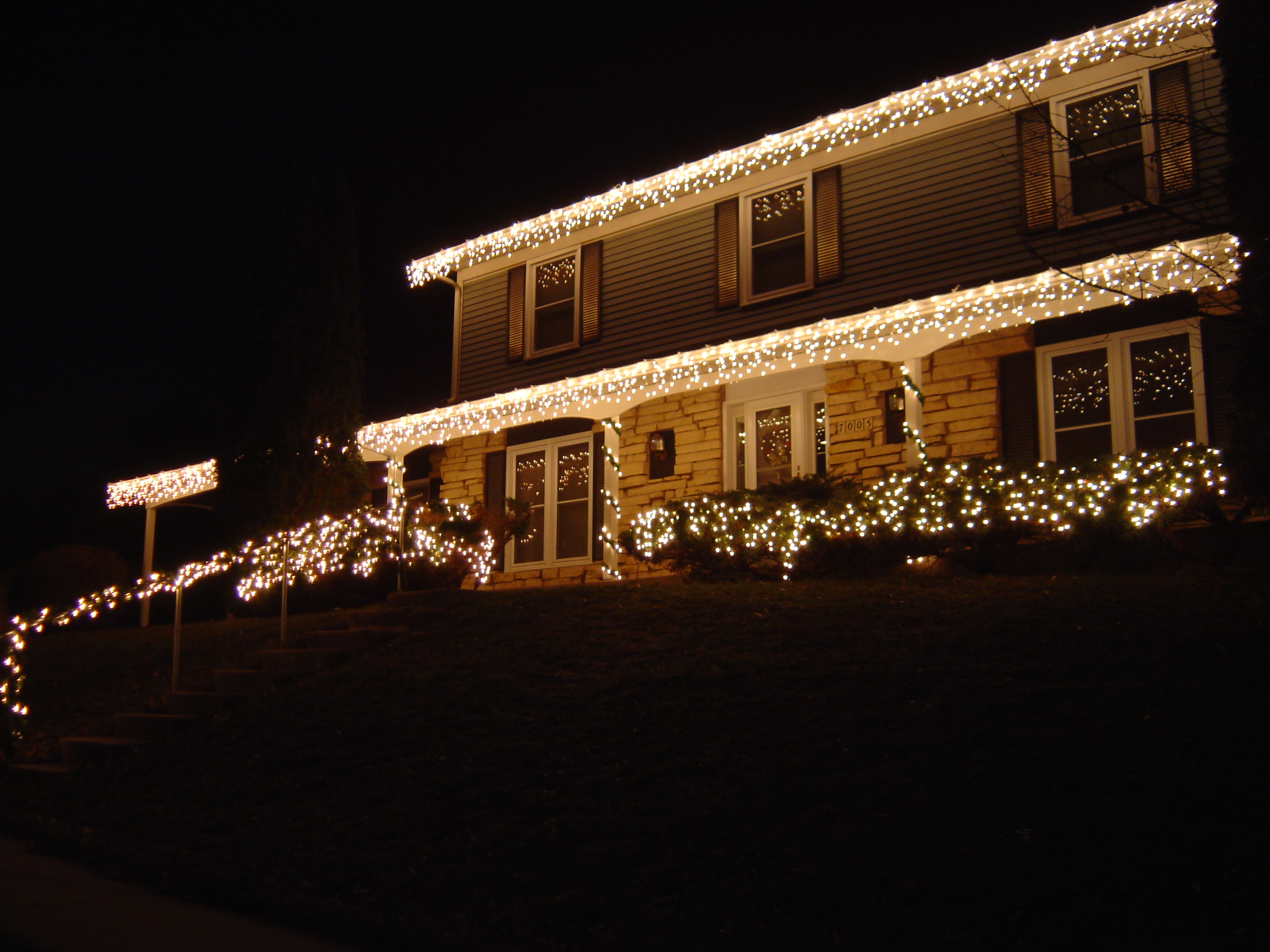 hanging lights on gutters