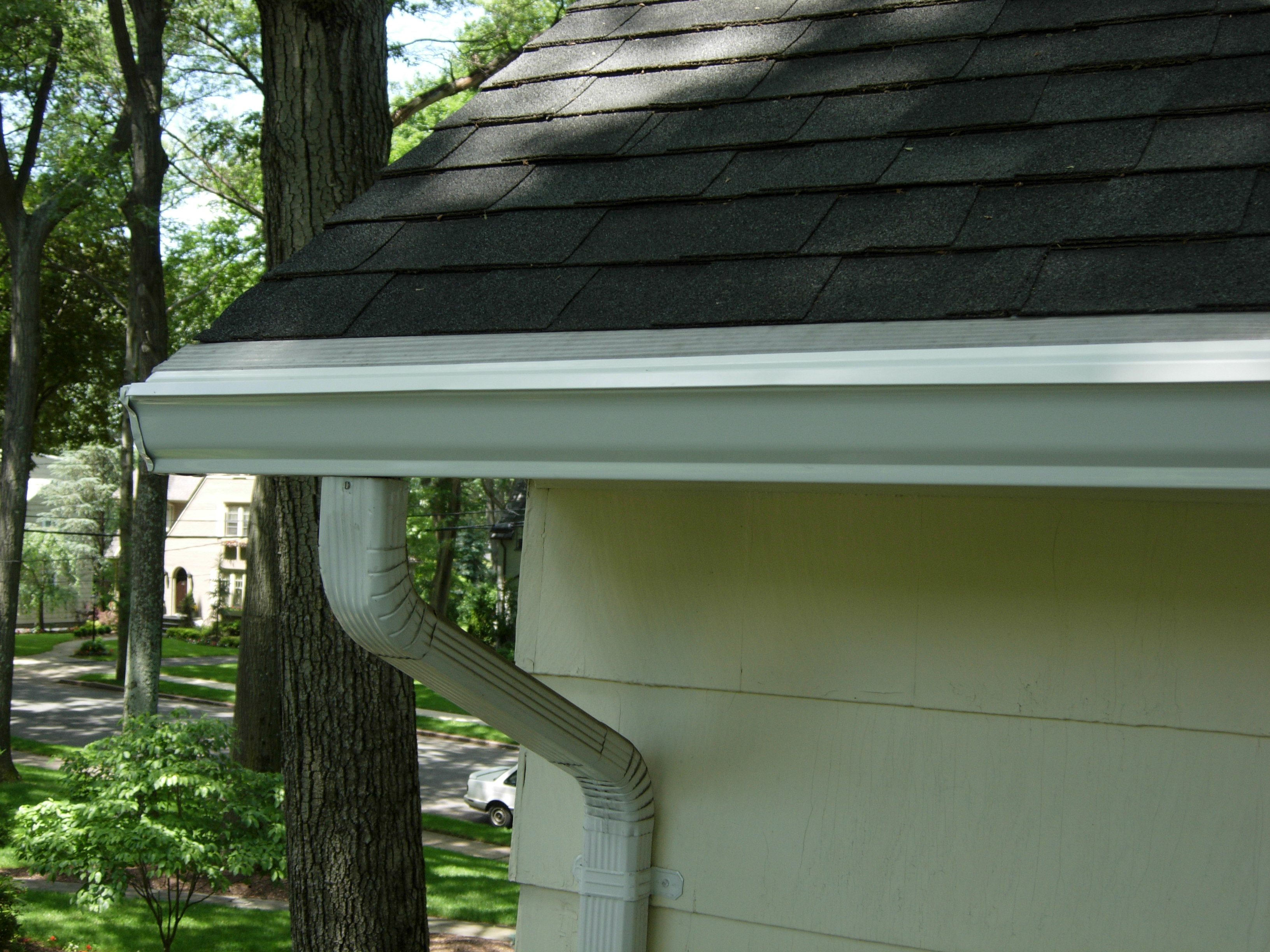 Cleaning The Outside Of Your Gutters